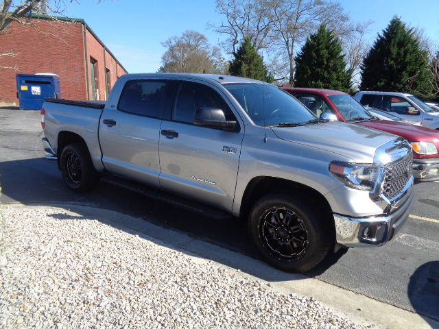 This Toyota Tundra was returned to like-new condition after the expert team at Lee's Collision Center in Loganville, GA completed the repair.