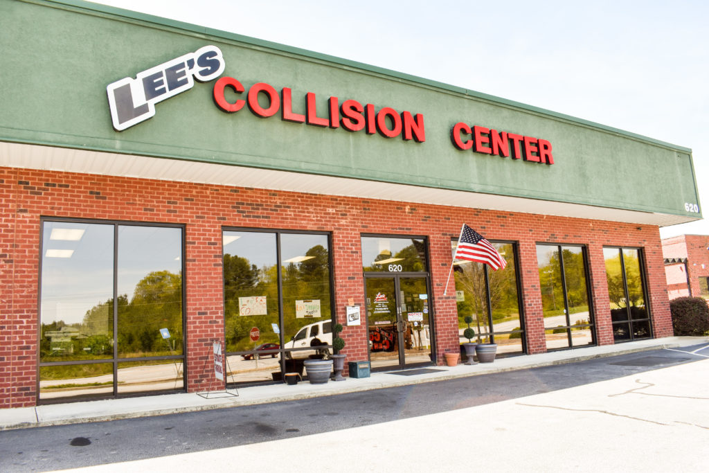 Store Front for Lee's Collision Center